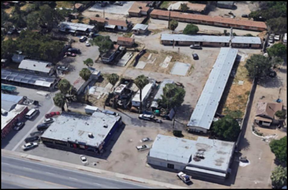 325 1/2 – 335 Roberts Ln, Bakersfield, CA